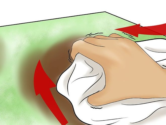 شستشوی-روغن-از-لباس-قالیشویی-ادیب