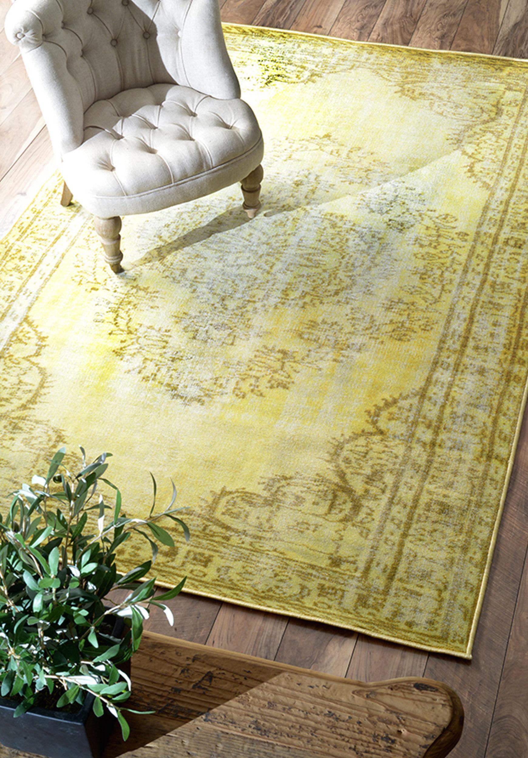 فرش-زرد-رنگ